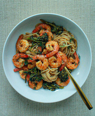 This Shrimp & Broccolini Pasta in Creole Dill Sauce by Creole For The Soul is quick and easy to make, and sure to fill you up with flavors from Tony Chachere's® Original Creole Seasoning that you can enjoy this summer without the guilt or bloat.